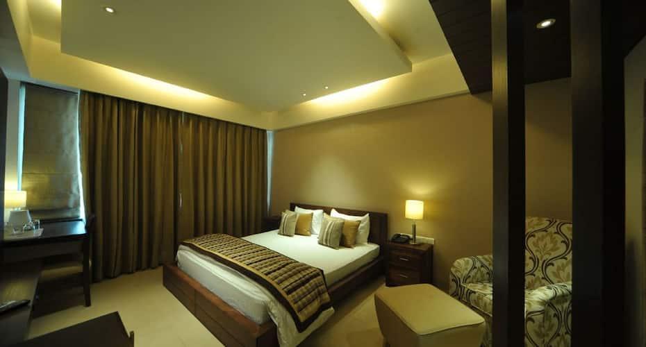 Hotel Aquamarine, Sector 22,