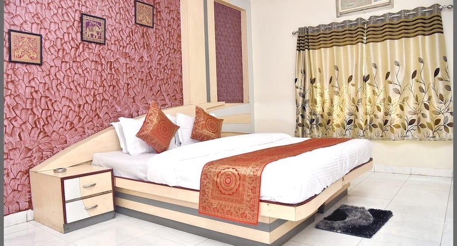 Hotel RK Aurangabad, Jalna Road,