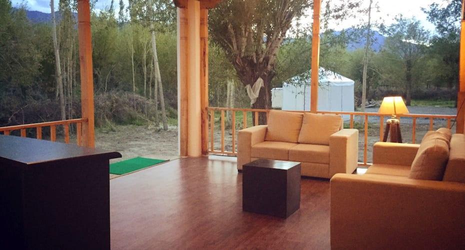 Himalayan Luxury Bivouacs, Sheynam,