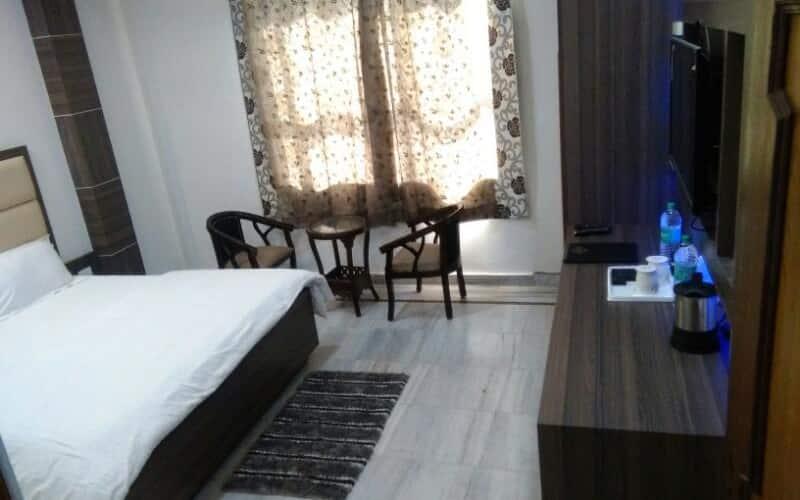 Guest Hotel Maheshwar, Upper Road,