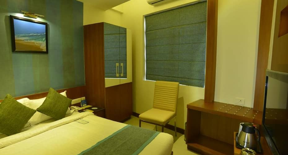 Hotel Marina Residency, Raja Annamalai Puram,