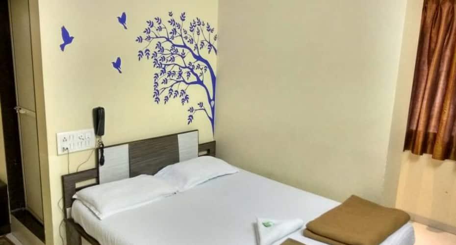 Hotel Broadway, Colaba,