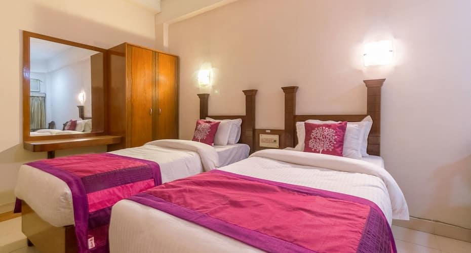 Hotel Hornbill, Paltan Bazar,