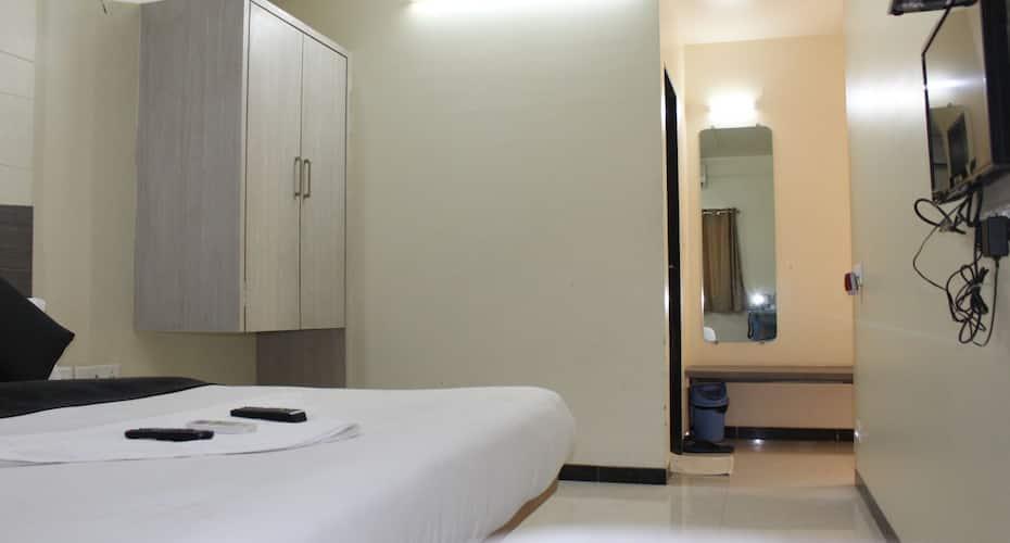 Hotel New Bharti, Station Road,