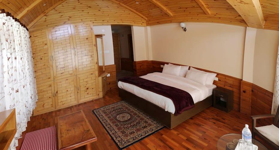 Hotel Apex Himalaya, Naggar Road,