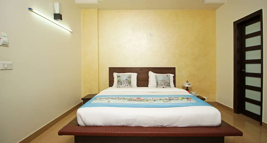 Hotel Goodcare Residency, DLF Phase I,
