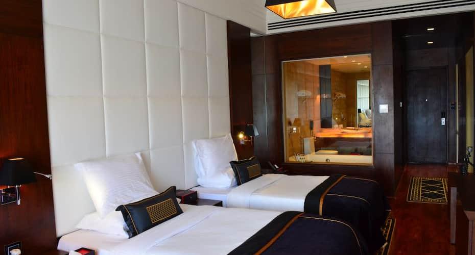 Della Resorts, Kunegaon,
