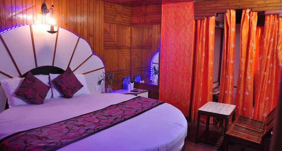 Hotel Sidharath, Ram Bazar,