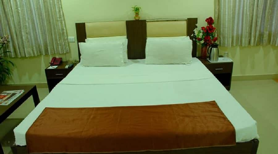 HOTEL RING VIEW, Kukatpally,