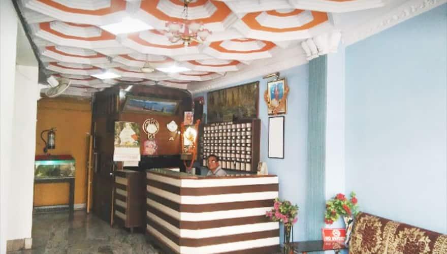 Divine Classic inn, Hussainganj,