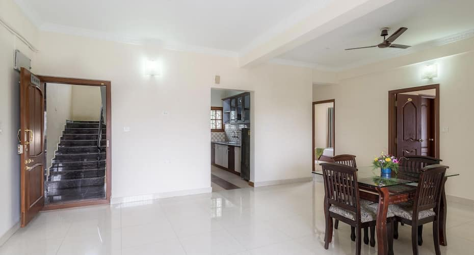 Hotel Royal 9, Kalyan Nagar,