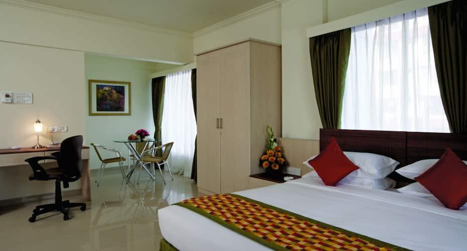 Keys Select Hotel Nestor, Marol,
