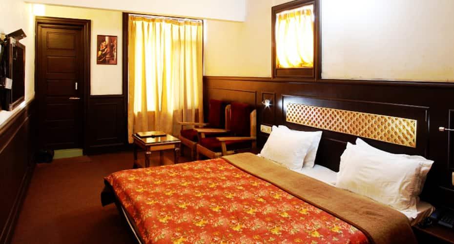 Hotel Sadaf, Lal Chowk,