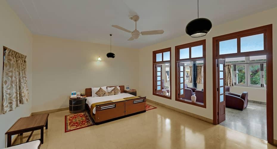 Hotel Sunderban, Koregaon Park,