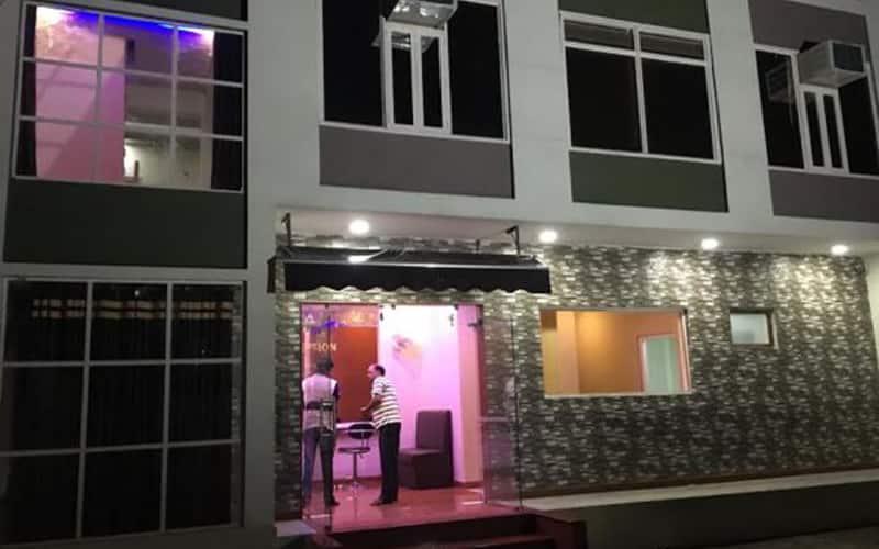 Hotel Deepak Palace, Varanasi Cantt Station,