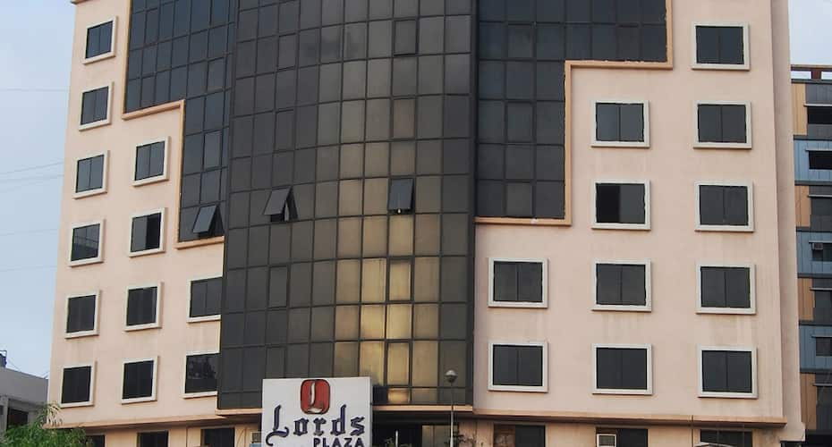 Lords Plaza Surat, Surat - Book this hotel at the BEST PRICE