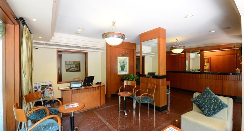 The Oakwood Hotel, Fergusson College Road,