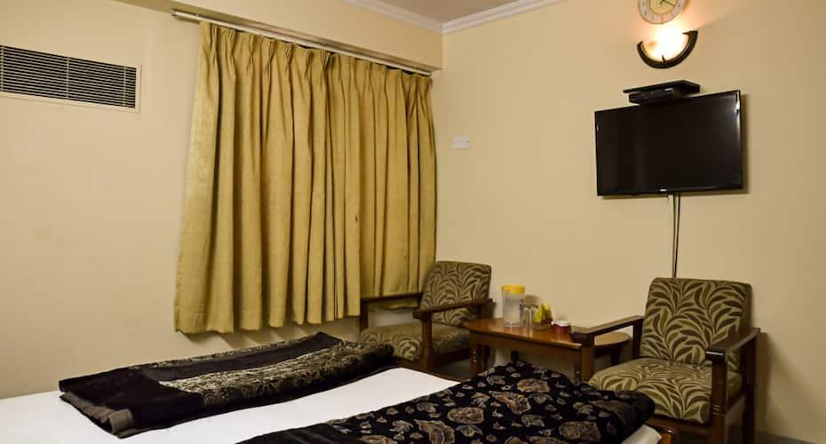 Hotel Sangam, M I Road,