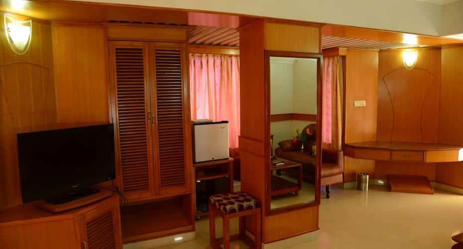 Hotel City Tower, Ram Nagar,