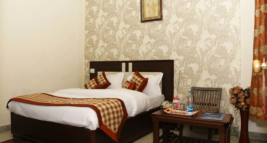 Hotel Atithi, Clock Tower Road,