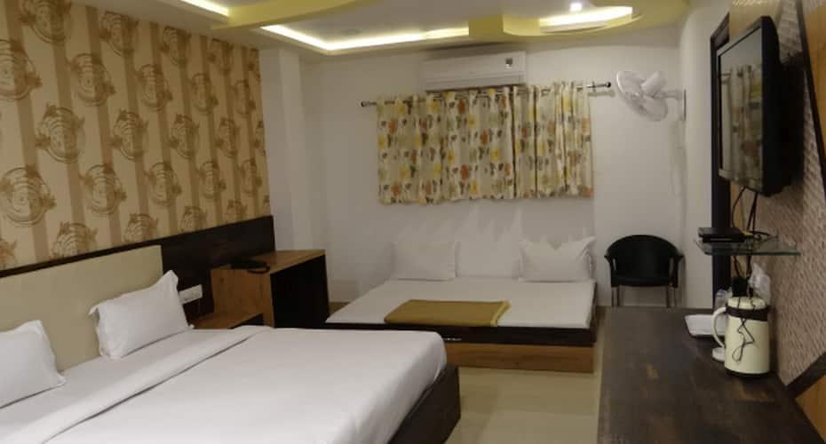 Hotel Kailash Inn, Gulab Bagh Road,
