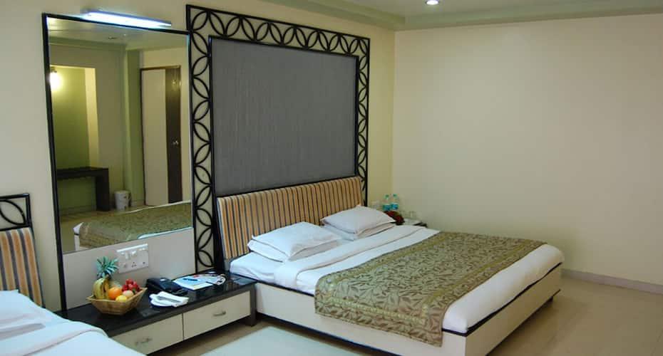 Bharat Hotel, Mahabaleshwar,