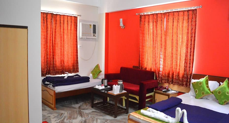 Hotel Vinayak Inn, Pradhan Nagar,