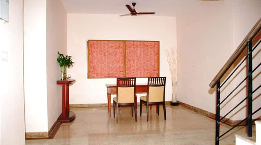 The Lalit Traveller Khajuraho, Sevagram,