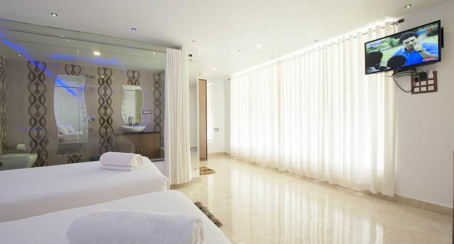 V Resorts Oaktel Boomrang, Morjim,