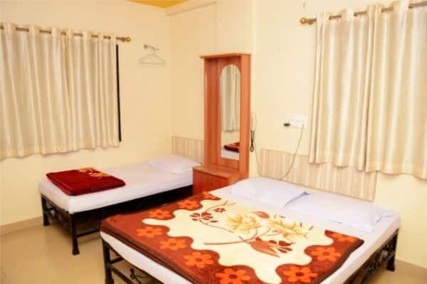 Hotel Sai Snehal, Near Temple,