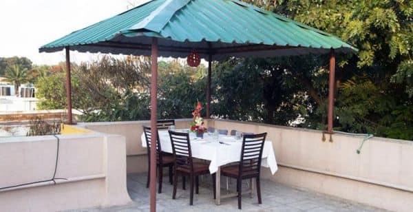 Hotel Queensway Park Ulsoor Lake, Ulsoor,