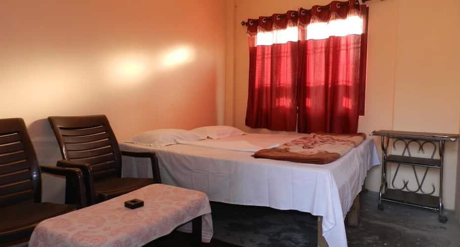Buddha Guest House, Dasaswamedh Ghat,