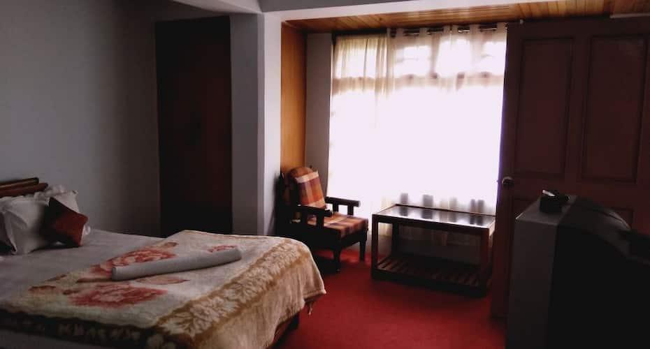 La Terrasse Guesthouse, Tibet Road,