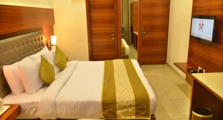 Hotel Mint Premia, Zirakpur,