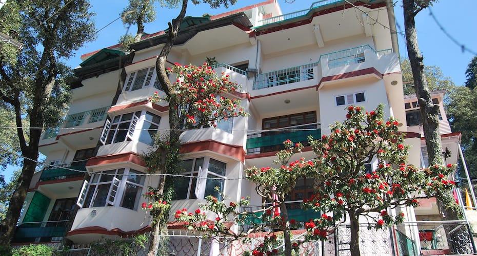 Hotel Ashiana Regency, The Mall,