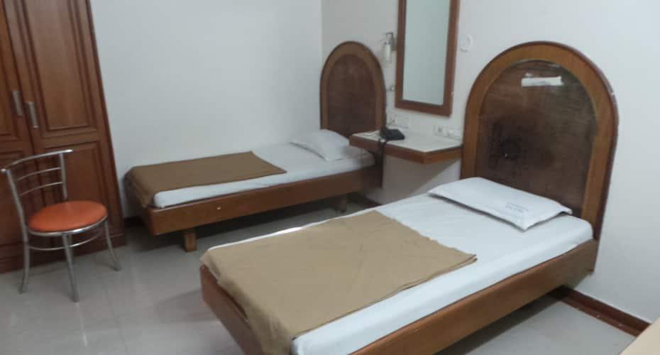 Vasanth Raj Paradise, Gandhi Nagar,