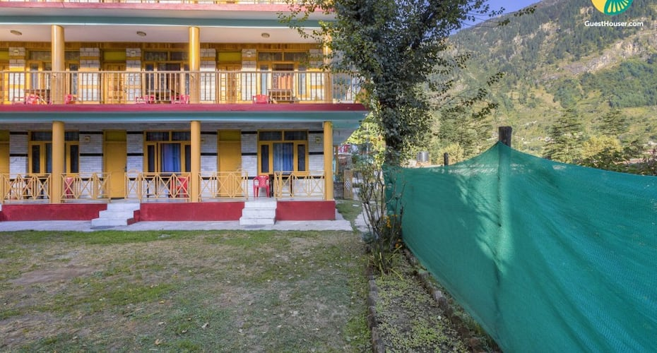 Cosy one-bedroom in a cottage, 650 m from Manu Temple