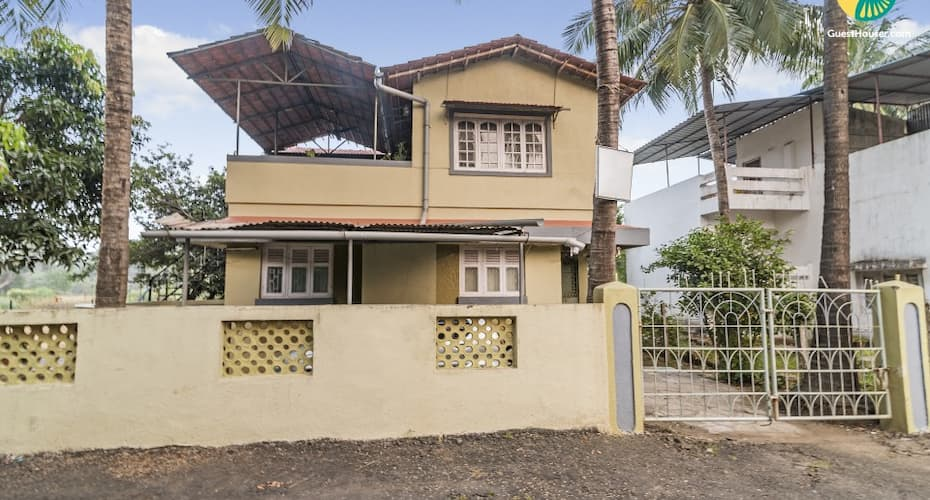 Homely abode for a weekend getaway, 1 km from Alibaug Beach