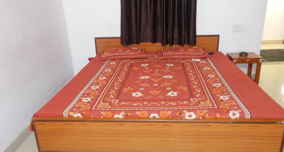 Sifti Guest House, Near Golden Temple,