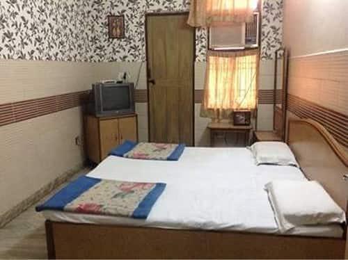 Parklane Hotel & Restaurant, Kamla Nagar,