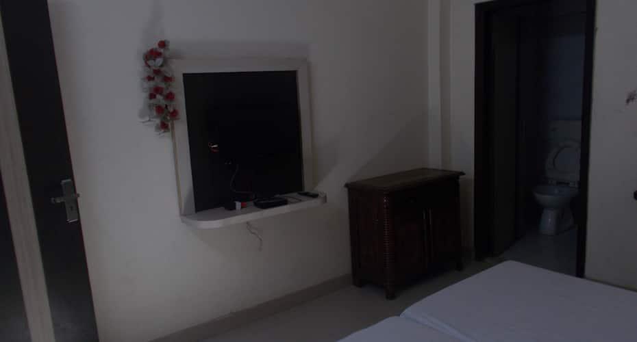 Radhika Guest House, Sadar Bazaar,