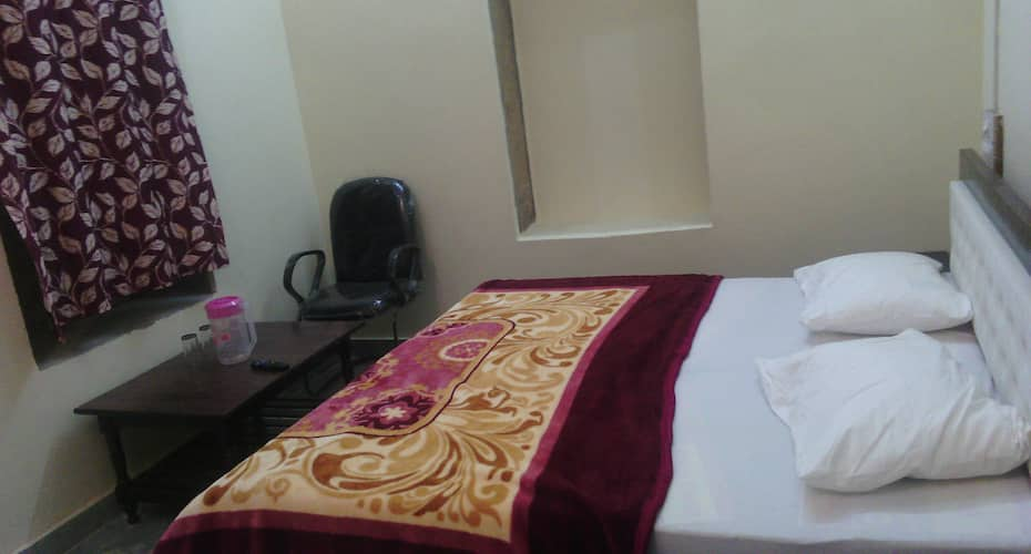Hotel Shree Mohani Palace, Hanuman Circle,