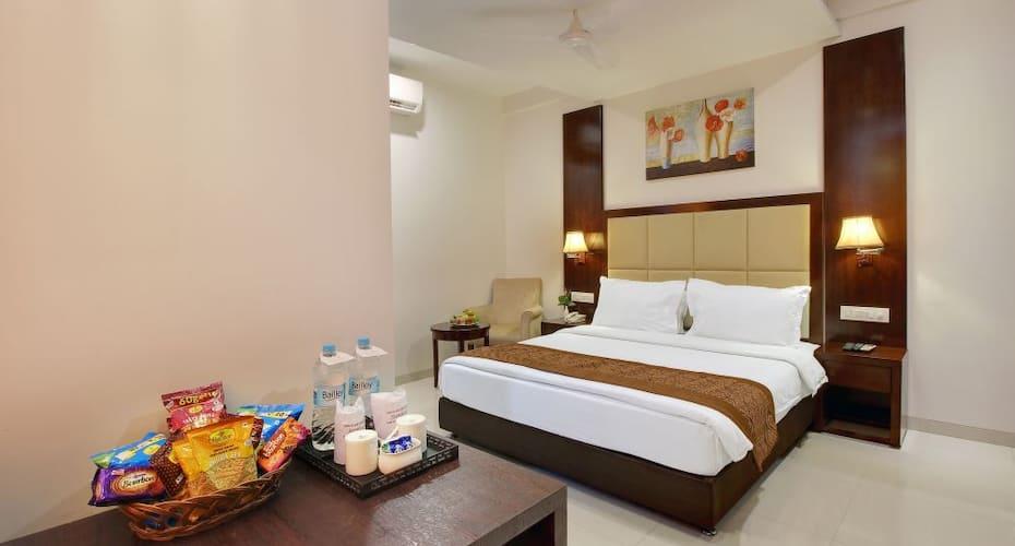 Hotel Sai Jashan, Near Temple,