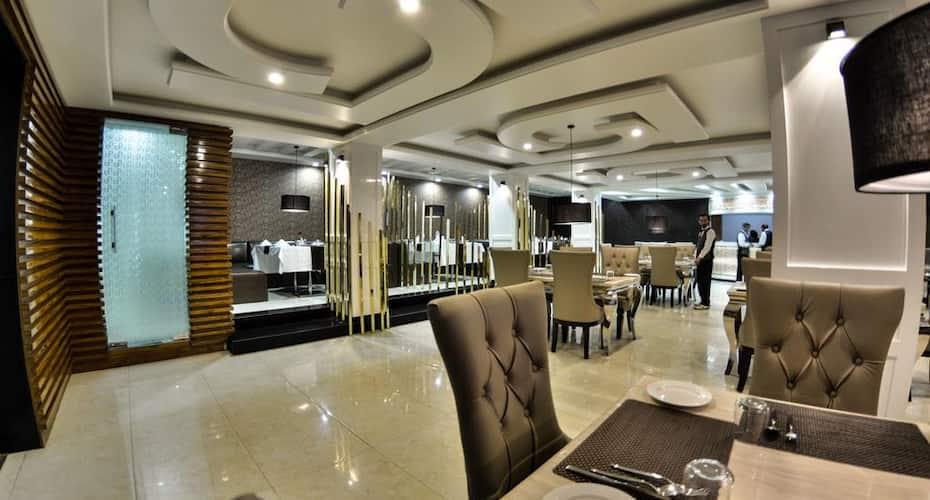 Hotel Samci Riviera, Zero Bridge,
