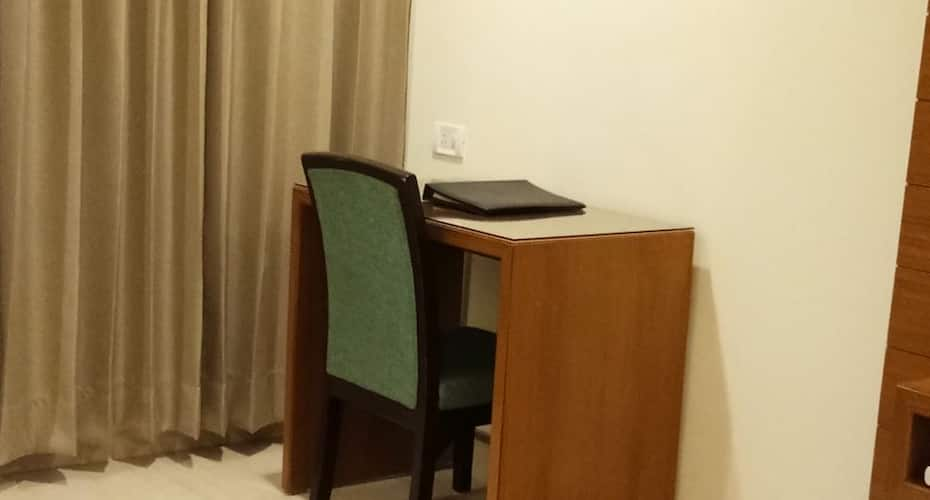 Hotel City Heart, Near Golden Temple,