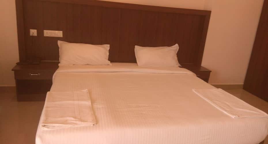 Hotel Highrange Plaza, Kumily,