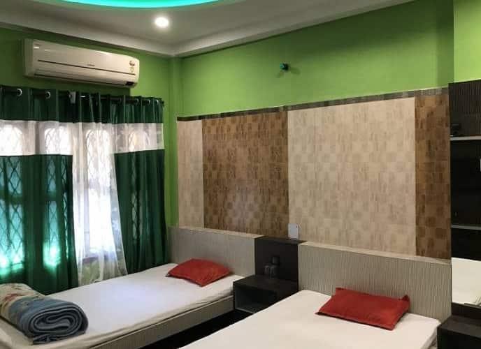 Hotel Raj Biraj Lodge, Sevoke Road,