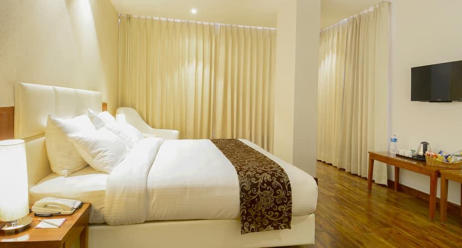 Kyriad Hotel Jaipur (Formerly known as Citrus Hotel Jaipur), Raja Park,