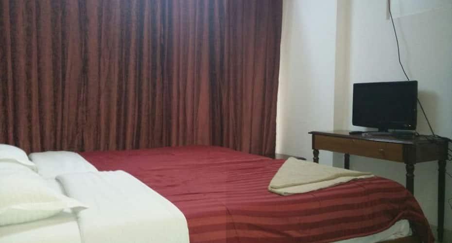 Castle Service Apartment, Andheri East,