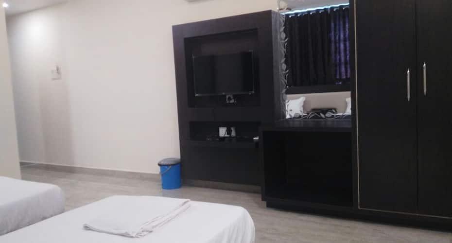 C.S.F.C. Hotel, Hamidia Road,